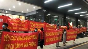 Hà Nội: Cư dân chung cư Dreamland Bonanza căng băng rôn phản đối chủ đầu tư