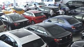 Hàng loạt ô tô ngoại giá 'mềm' đổ về Việt Nam