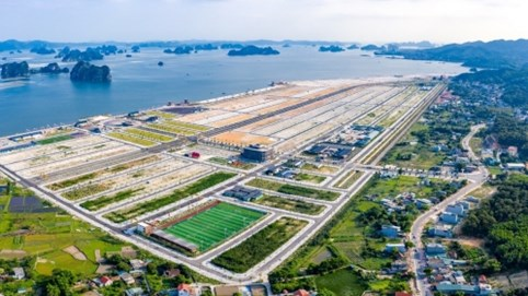 'Mạnh' như Phương Đông - chủ dự án lấn biển 16.000m2 ở Vân Đồn