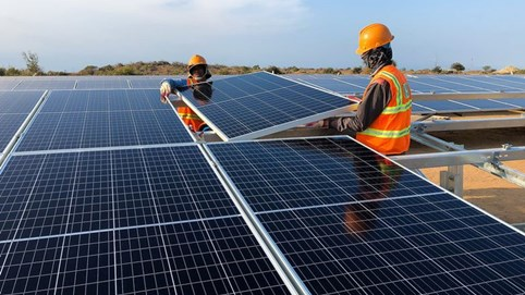 Công ty Malaysia mua 39% cổ phần của 5 dự án điện mặt trời tại Việt Nam