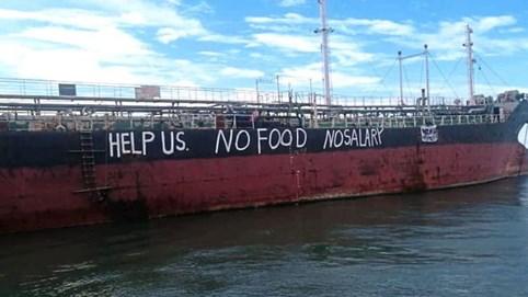 Thực trạng tàn khốc của ngành vận tải biển: Thuỷ thủ đoàn mắc kẹt ngoài khơi suốt nhiều tháng, chủ tàu