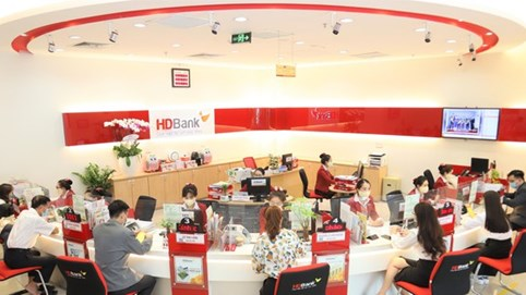 HDBank chia cổ tức bằng cổ phiếu tỷ lệ 25%, Moody's nâng triển vọng xếp hạng tín nhiệm