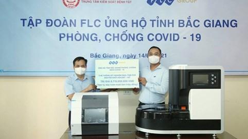 Tập đoàn FLC trao tặng Bắc Giang 3 hệ thống xét nghiệm COVID 19 trị giá gần 9 tỷ đồng