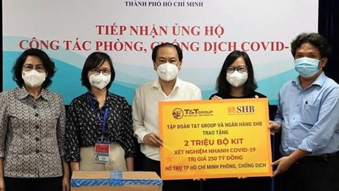 T&T Group và SHB trao tặng TP.HCM 2 triệu bộ kit xét nghiệm nhanh COVID-19