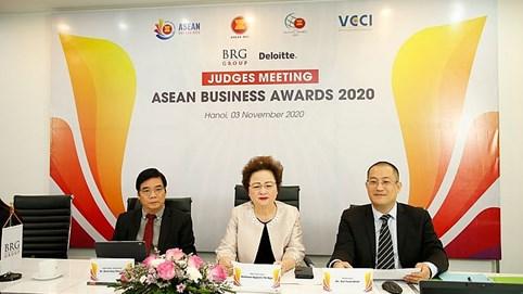 Hội đồng giám khảo ABA 2020 công tâm lựa chọn những doanh nghiệp xuất sắc nhất đoạt giải ABA 2020