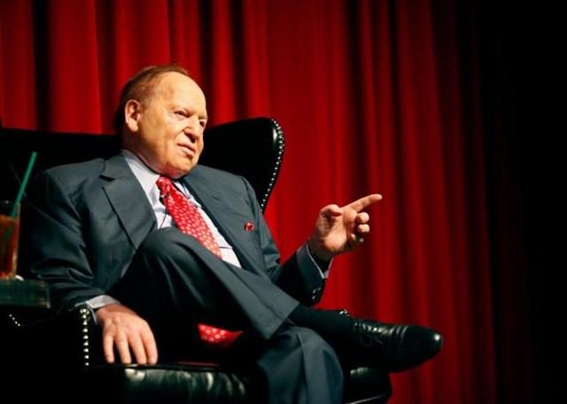 Sheldon Adelson: Tuổi thơ bán báo dạo mưu sinh tới ông trùm đế chế sòng bạc lớn nhất nước Mỹ - Ảnh 1