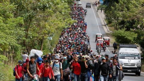7.000 người nhập cư đổ về Mỹ: Ông Biden xử trí sao? - Ảnh 1