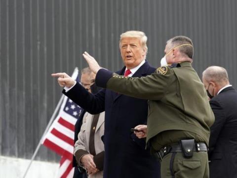7.000 người nhập cư đổ về Mỹ: Ông Biden xử trí sao? - Ảnh 2