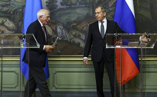 """Đáp trả """"đòn bất ngờ"""" của Moscow: 3 nước châu Âu đồng loạt trục xuất các nhà ngoại giao Nga - Ảnh 1"""
