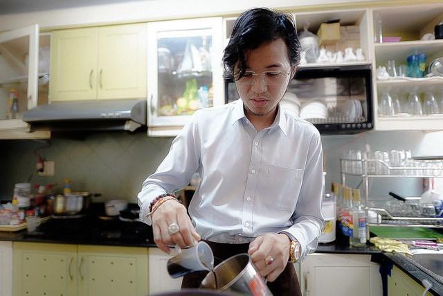 """""""Tour cafe"""" ra đời với kỳ vọng để khách, bạn bè, đồng nghiệp tin tưởng """"thấy tour là thấy còn du lịch"""", ông Nguyễn Trần Hoàng Phương chia sẻ. (Ảnh: Lam Giang)."""