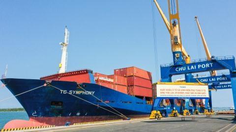 THACO xuất khẩu hơn 200 ôtô và linh kiện phụ tùng trong ngày ra quân đầu năm tân sửu - Ảnh 1