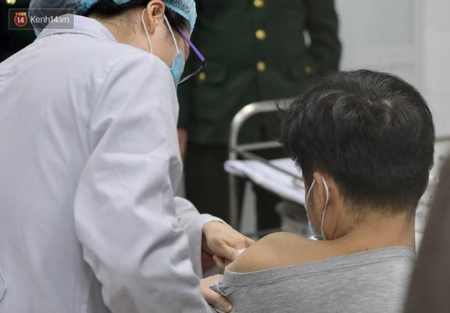 11 nhóm người được ưu tiên tiêm vaccine Covid-19 đầu tiên ở Việt Nam - Ảnh 2