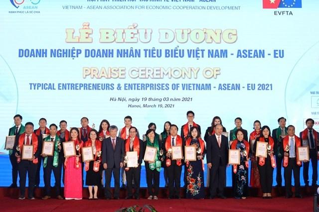 HDBank là doanh nghiệp dẫn đầu các ngành Việt Nam - ASEAN- EU  - Ảnh 1