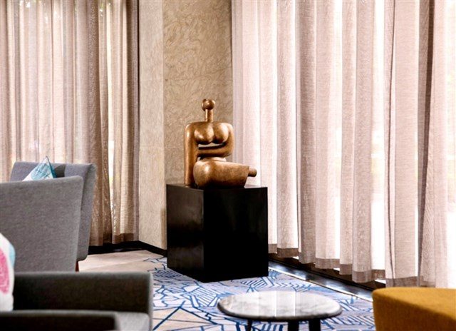 Văn Phú - Invest đưa các tác phẩm nghệ thuật vào không gian sống một cách tự nhiên (Ảnh tại dự án Oakwood Residence Hanoi)