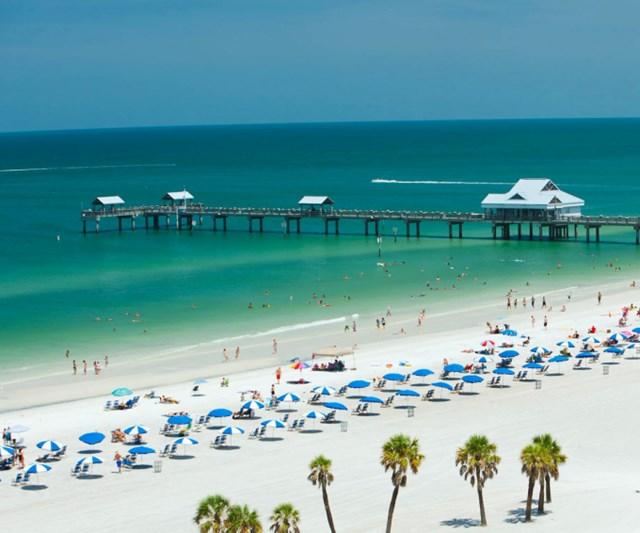 Bãi biển nổi bật với bờ cát trắng mịn trải dài. Ảnh: Southern Living.