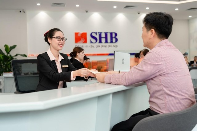 Hàng triệu khách hàng tin tưởng gắn bó với ngân hàng SHB.