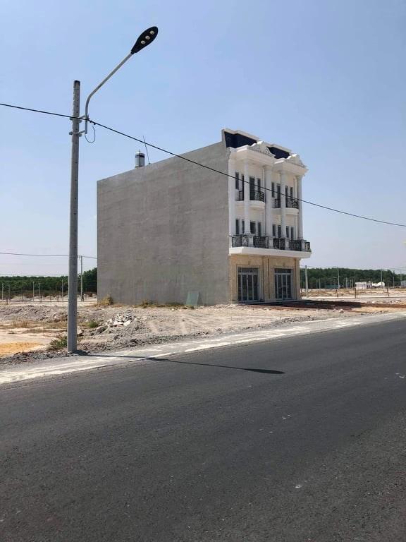 Hàng loạt căn nhà xây không phép tại dự án khu đô thị Phúc Hưng Golden