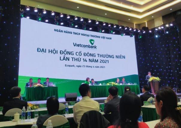Chủ tịch Vietcombank Nghiêm Xuân Thành chia sẻ tại đại hội.