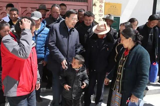 """Báo Mỹ: Trung Quốc xây làng trên lãnh thổ nước khác, còn kêu gọi """"phất cao cờ Tổ quốc"""" - Ảnh 2"""