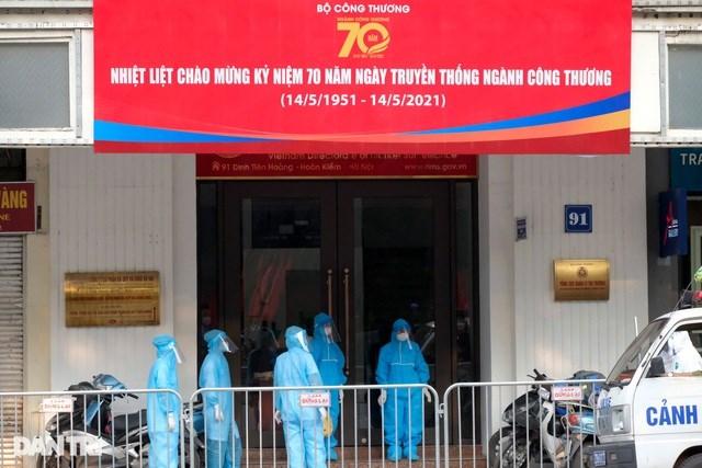 Cách ly y tế tòa nhà 91 Đinh Tiên Hoàng