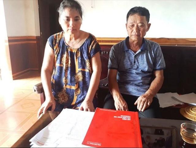 Ông Chung cùng vợ bức xúc vì Bảo hiểm Prudential gây khó dễ, không giải quyết quyền lợi cho người bảo hiểm