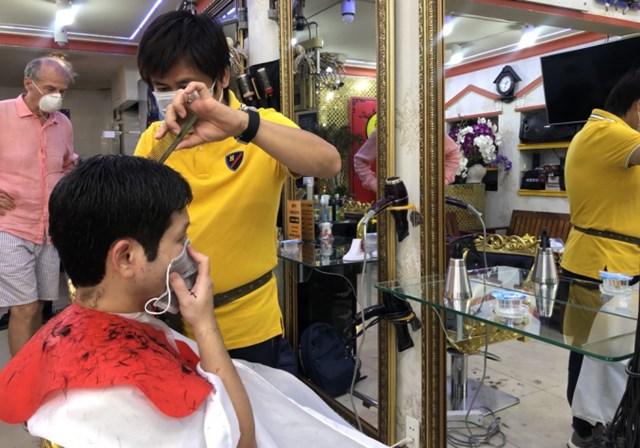 Dịch vụ cắt tóc, gội đầu sẽ phải chịu thuế GTGT và thuế TNCN.