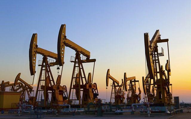 Giá dầu thô Châu Á tăng mạnh do nguồn cung thắt chặt - Ảnh 1