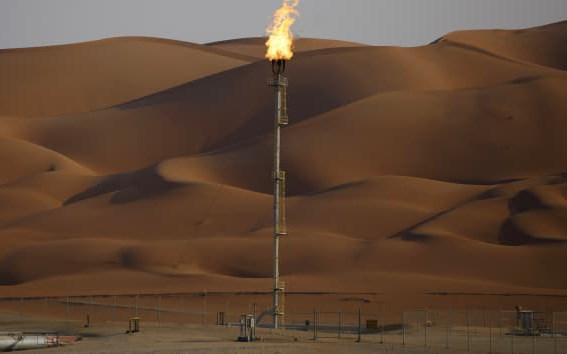 Giải mã nguyên nhân khiến giá dầu tăng vọt - Ảnh 1