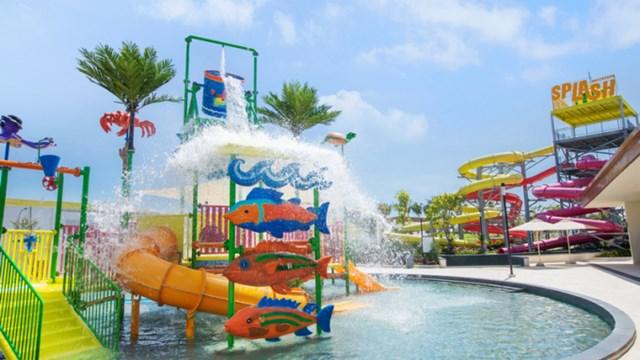 Khu Splash Water Park.