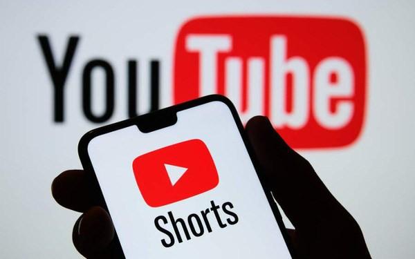 Youtube Shorts vừa ra mắt trên toàn cầu khiến Ti.kTo.k 'khóc thét': Người dùng thoải mái tạo các video dài 60 giây, có 100.000 bài hát và vô số hiệu ứng để lựa chọn - Ảnh 1