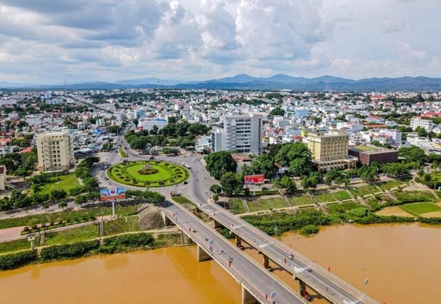 Tăng trưởng kinh tế dẫn đầu khu vực Tây Nguyên, Kon Tum trở thành điểm đến tiềm năng của giới đầu tư.