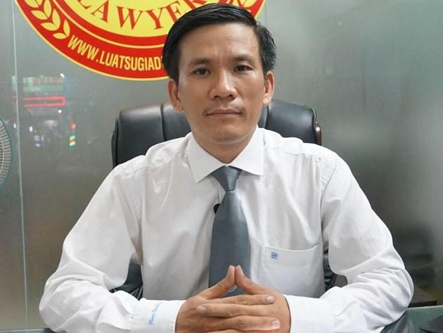 Luật sư Trần Minh Hùng khẳng định có dấu hiệu trốn thuế trong các giao dịch bất động sản giữa bà Võ Thị Hương và một số người dân ở trên.