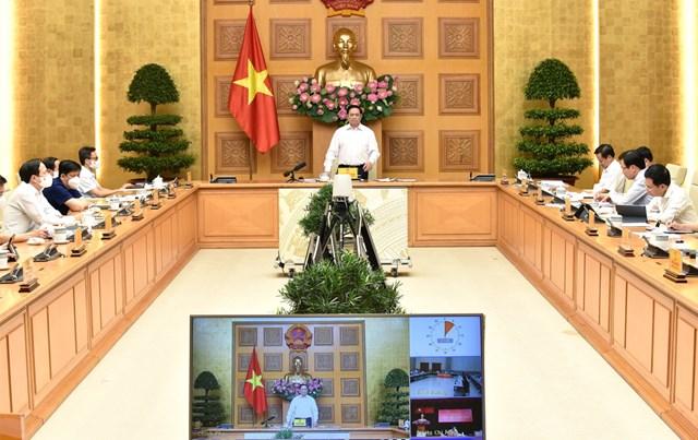 Thủ tướng: Quân đội chủ trì lo lương thực cho người dân TP.HCM - Ảnh 2