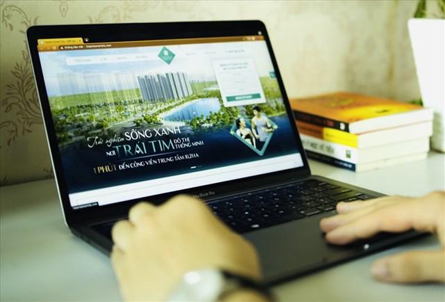Lần đầu trải nghiệm mua nhà online của vợ chồng MC Việt Anh