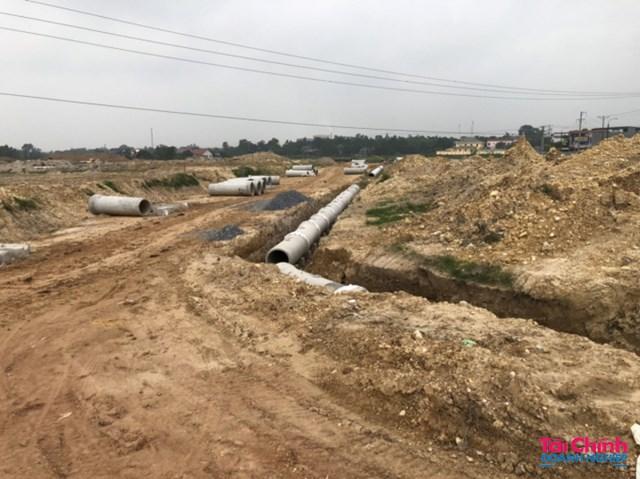 Các lô đất đang được rao bán rầm rộ trên mạng xã hội các giấy tờ pháp lý của dự án còn chưa đầy đủ.