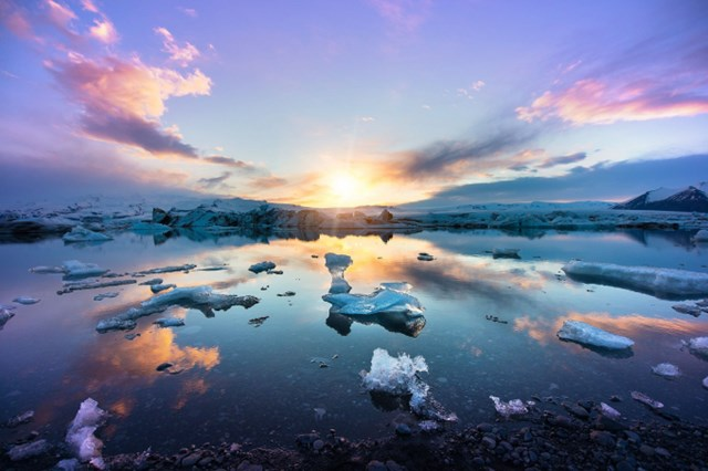 Khám phá những vùng đất mặt trời không bao giờ lặn - Ảnh 6