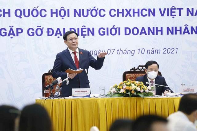 Chủ tịch Quốc hội Vương Đình Huệ đánh giá cao vai trò, vị thế hết sức quan trọng của đội ngũ doanh nhân đối với sự phát triển của đất nước.