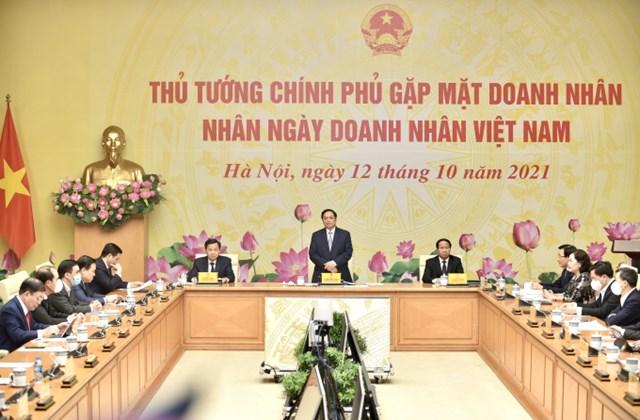 Thủ tướng gặp mặt doanh nhân nhân Ngày Doanh nhân Việt Nam.