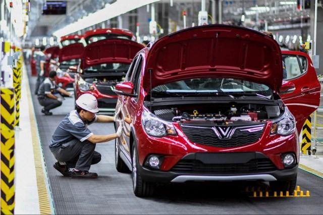 Nếu được Thủ tướng Chính phủ thông qua, lô linh kiện nhập khẩu để sản xuất 200 xe ôtô Vinfast sẽ được miễn thuế.
