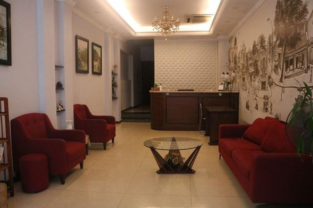 Bên trong khách sạn Hanoi Capella Hotel vắng lặng vì không có khách thuê. Ảnh: Báo Thanh niên.