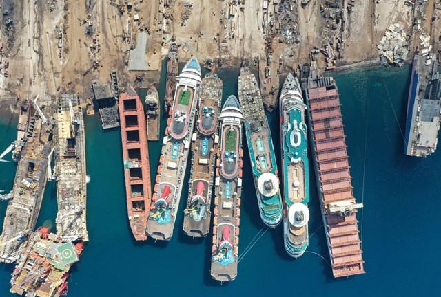 Những hình ảnh cho thấy hệ quả 'thảm khốc' của Covid-19 lên ngành công nghiệp du thuyền - Ảnh 2