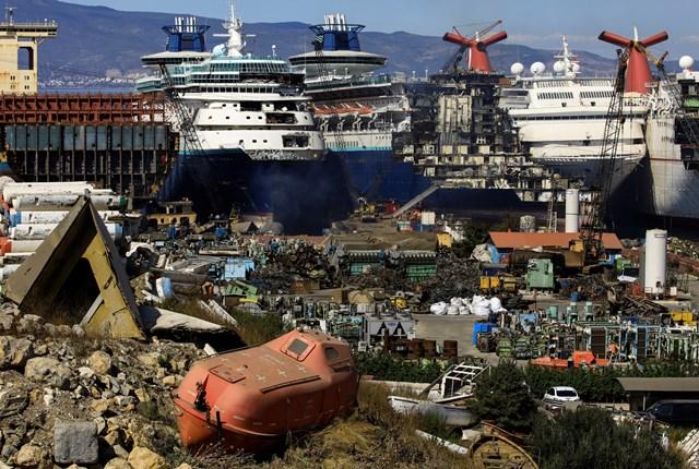 Những hình ảnh cho thấy hệ quả 'thảm khốc' của Covid-19 lên ngành công nghiệp du thuyền - Ảnh 4