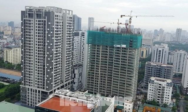 Yêu cầu Bộ Xây dựng làm rõ việc xây tầng lánh nạn đẩy giá căn hộ - Ảnh 1