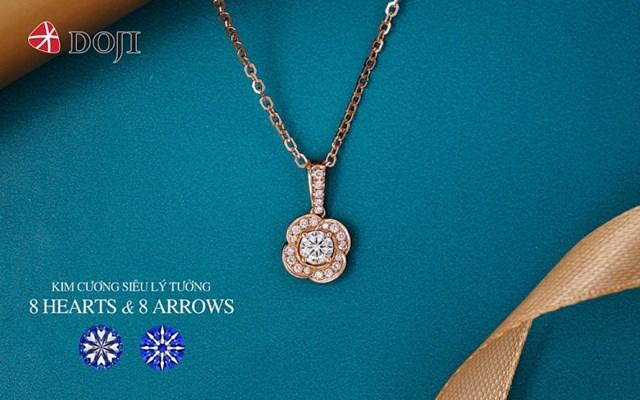 Mức giá từ 15 triệu đồng/sản phẩm cùng ưu đãi tới 15% trong Lễ hội thành viên của DOJI chính là dịp lý tưởng để phái đẹp sở hữu món trang sức kim cương ưng ý cho riêng mình.