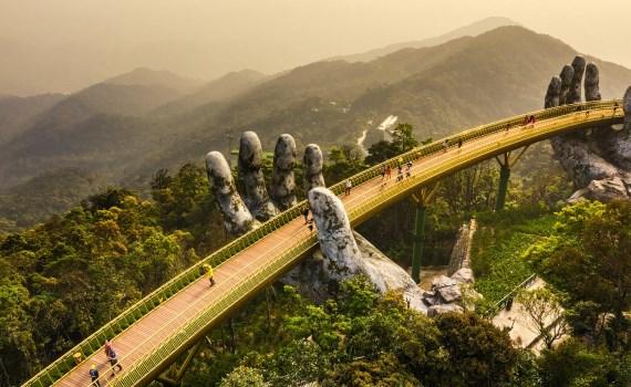 Chính sách miễn, giảm giá vé tham quan giúp hỗ trợ khôi phục hoạt động của ngành du lịch Đà Nẵng. Ảnh: Traveltheworld.