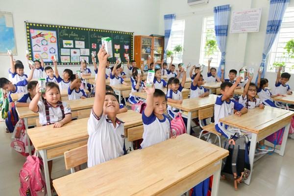 Sữa học đường TPHCM chương trình nhân văn đem lại nhiều niềm vui cho con trẻ - Ảnh 1