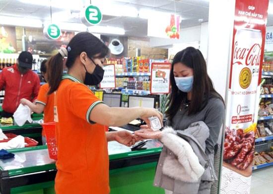 Hệ thống bán lẻ của Tập đoàn BRG hỗ trợ khách hàng mua sắm và đồng hành cùng chính quyền địa phương nhằm đảm bảo hàng hóa  phòng, chống dịch Covid-19  - Ảnh 4