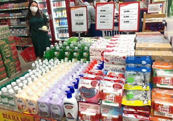 Hệ thống bán lẻ của Tập đoàn BRG hỗ trợ khách hàng mua sắm và đồng hành cùng chính quyền địa phương nhằm đảm bảo hàng hóa  phòng, chống dịch Covid-19  - Ảnh 2