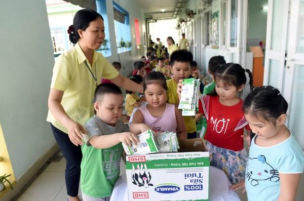 Sữa học đường TPHCM chương trình nhân văn đem lại nhiều niềm vui cho con trẻ - Ảnh 9