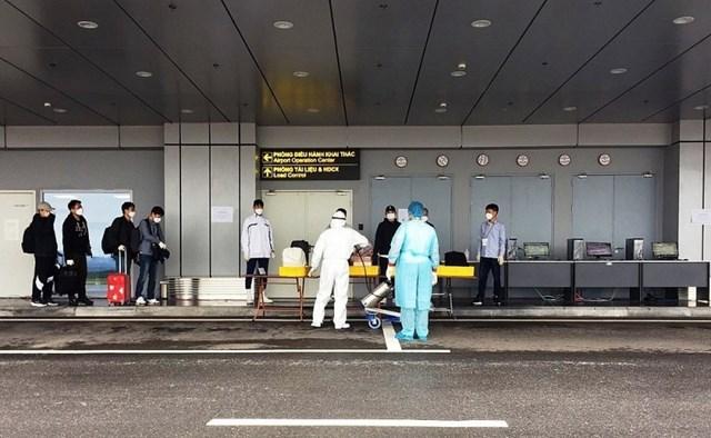Sân bay Vân Đồn tiếp tục đón 240 chuyên gia Hàn Quốc sang Việt Nam làm việc - Ảnh 4